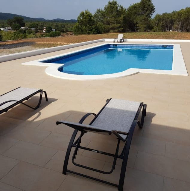 APARTMENTS  IBIZA (SPAIN)